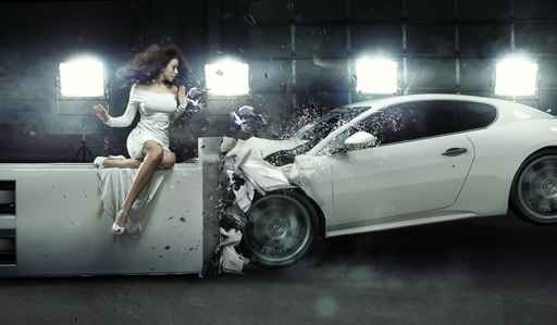 Amazed woman as witness to the accident